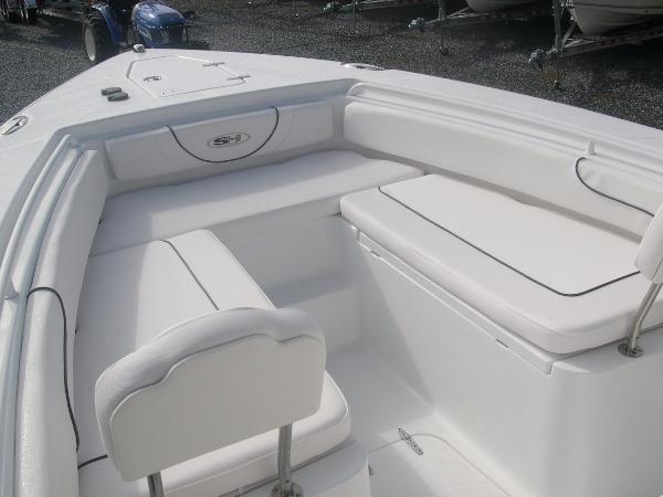Gamefish 27 Forward Seat Photo 11
