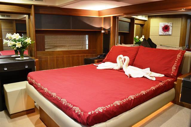 Riva Opera Super 85 VIP Cabin