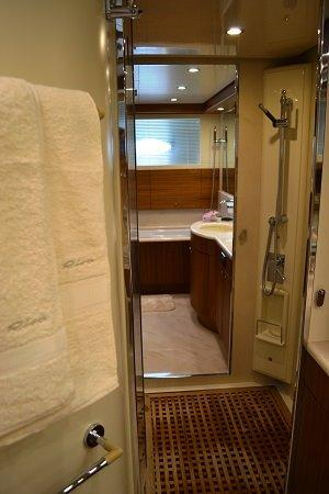 Riva Opera Super 85 Bathroom