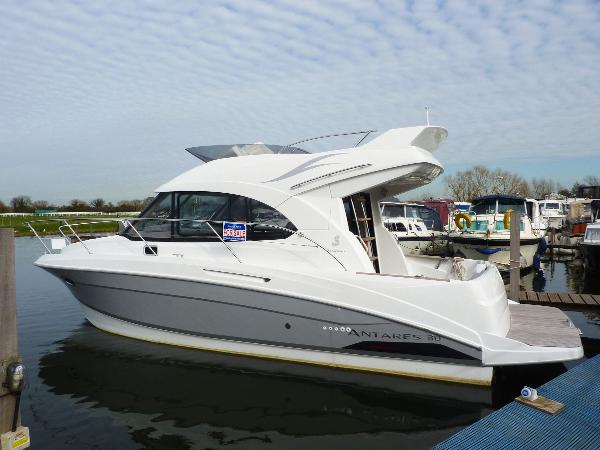 New Beneteau Antares 30 Fly
