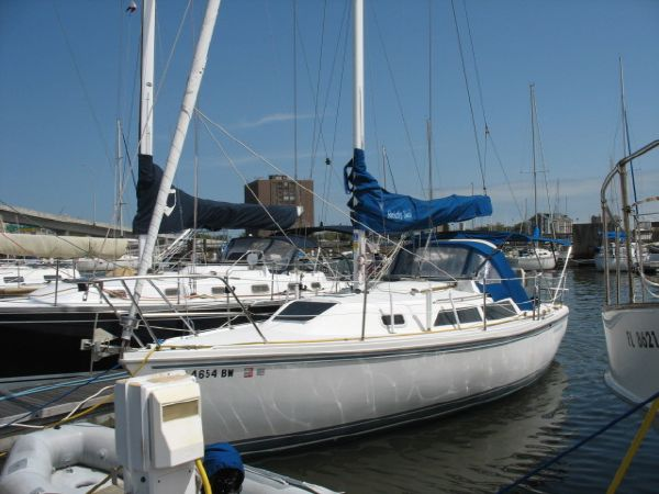 Catalina 28 Island Series Cruisers Listing Number: M-3518478