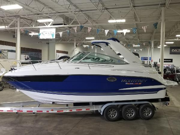 2020 Monterey boat for sale, model of the boat is 295 Sport Yacht & Image # 31 of 34