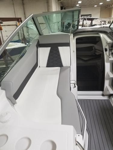 2020 Monterey boat for sale, model of the boat is 295 Sport Yacht & Image # 9 of 34