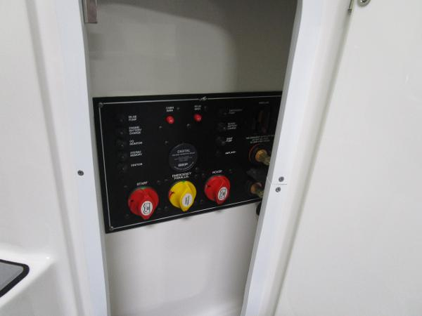 2020 Monterey boat for sale, model of the boat is 295 Sport Yacht & Image # 17 of 34