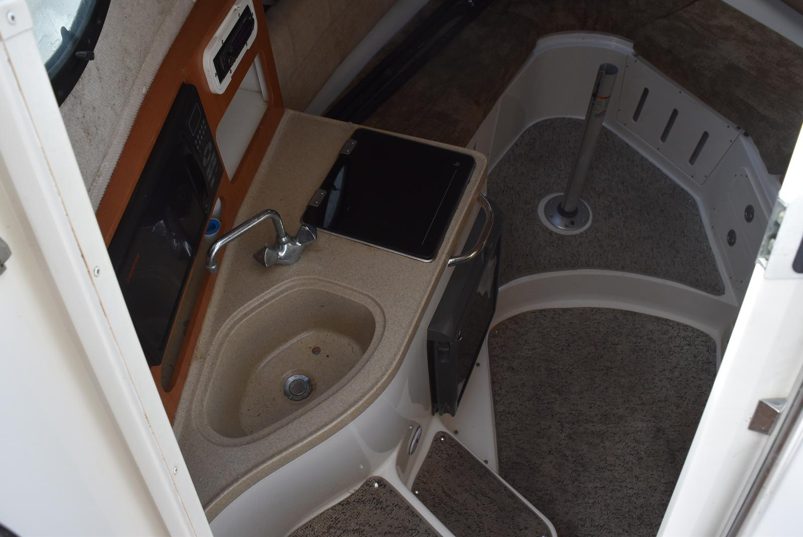 2006 Seaswirl boat for sale, model of the boat is Striper 290 & Image # 15 of 24