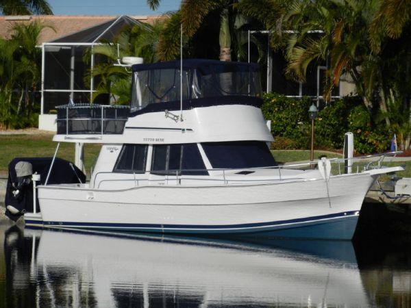39' Mainship Trawler 350/390
