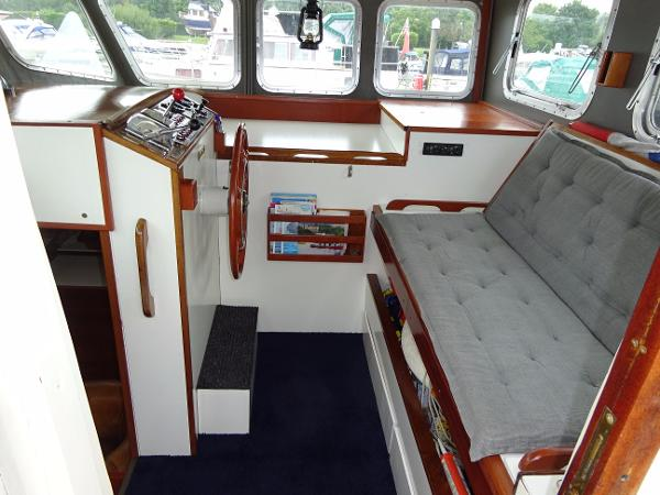 Colvic Watson 35 - Wheelhouse