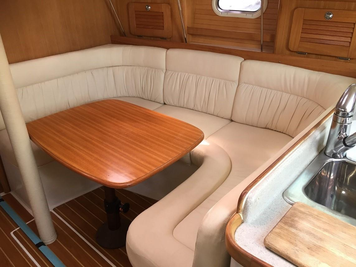 34 Catalina No Worries 2007 Whitby | Denison Yacht Sales
