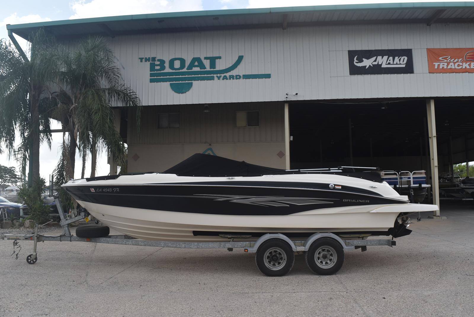2010 Bayliner boat for sale, model of the boat is 235BR & Image # 1 of 43