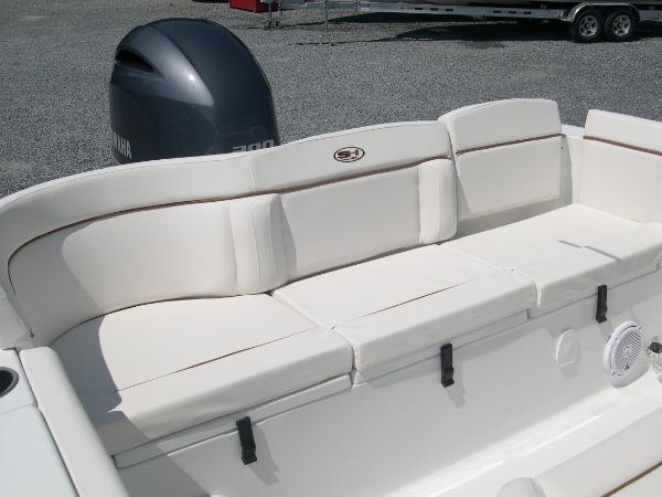 234 Ultra Mezzanine Seat Photo 36