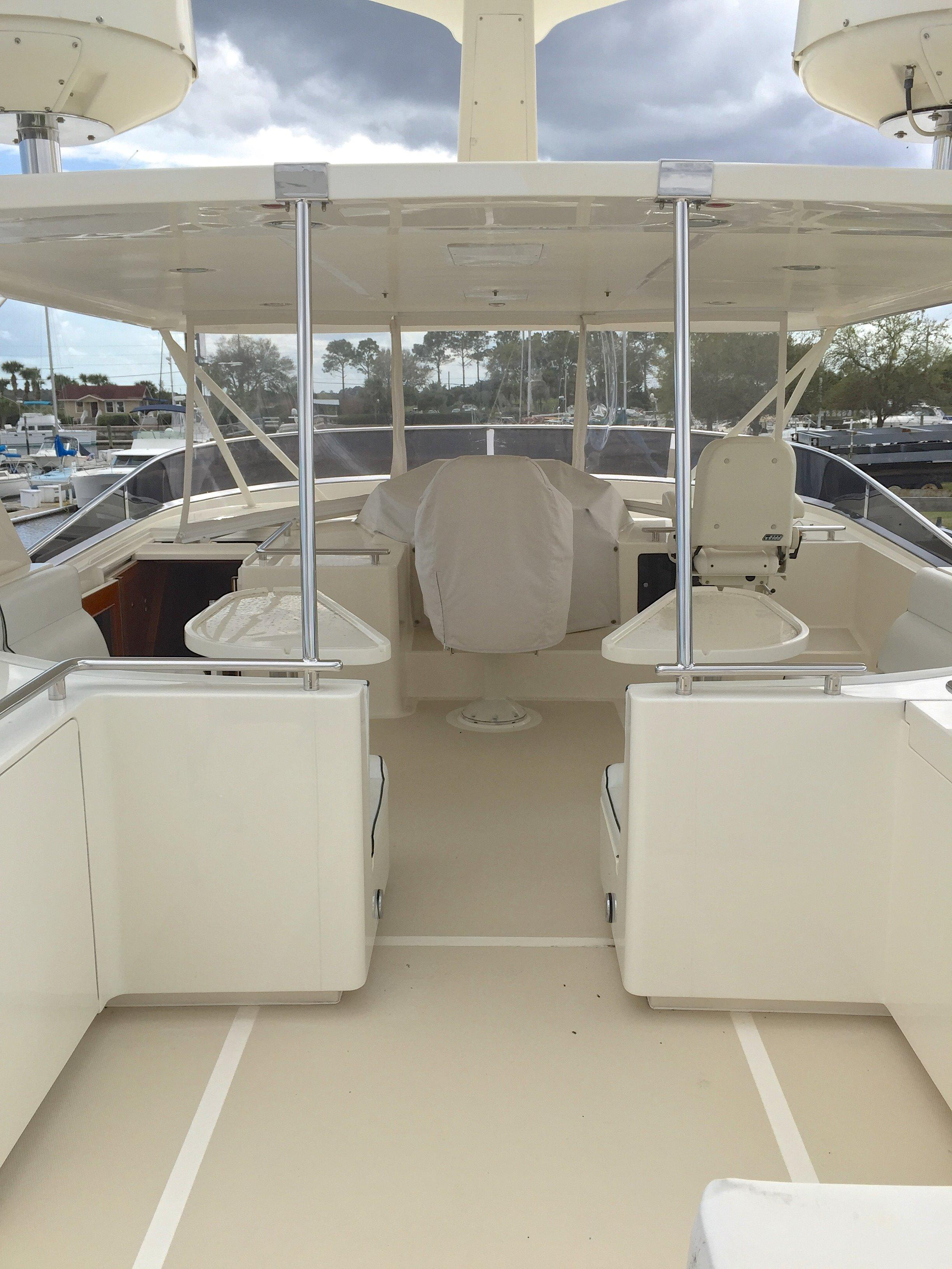 Aft flybridge deck looking forward