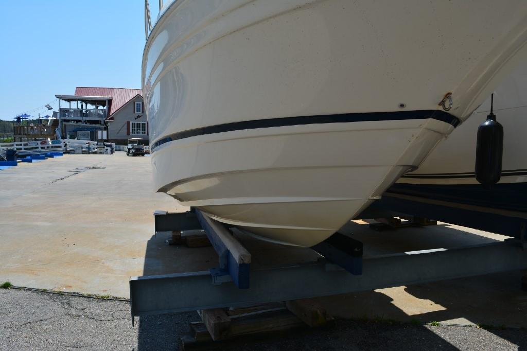 Regal 2765 Commodore - Starboard Hull