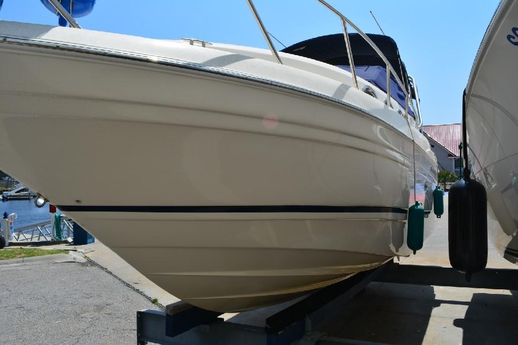 Regal 2765 Commodore - Port Hull