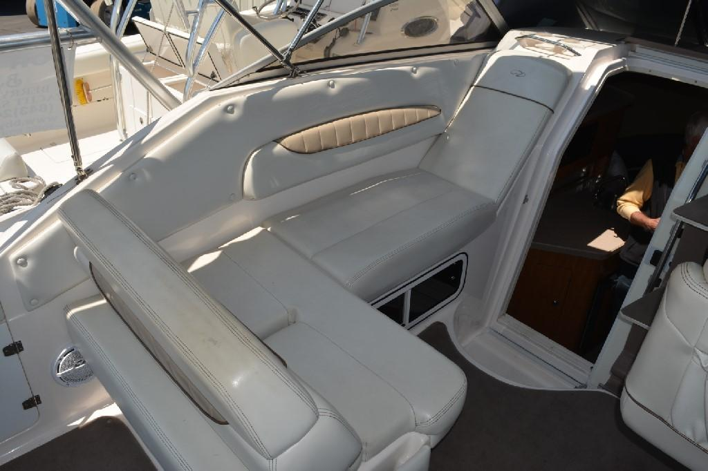 Regal 2765 Commodore - Portside Seating 2