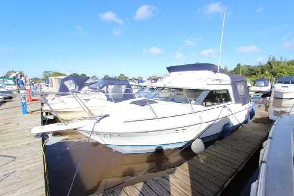 Bayliner Ciera 2556 Flybridge