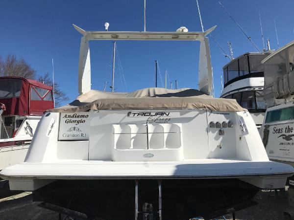 Trojan 400 Express Yacht Brokerage New England
