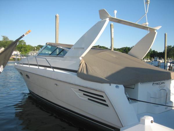 Trojan 400 Express Yacht Brokerage Sell