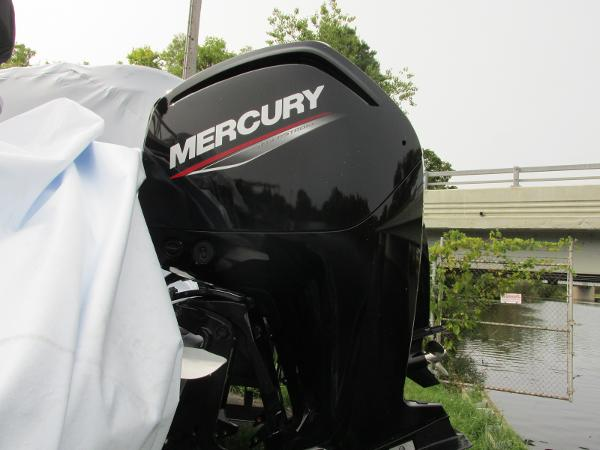 2021 Sun Tracker boat for sale, model of the boat is Party Barge 22 RF DLX & Image # 5 of 28