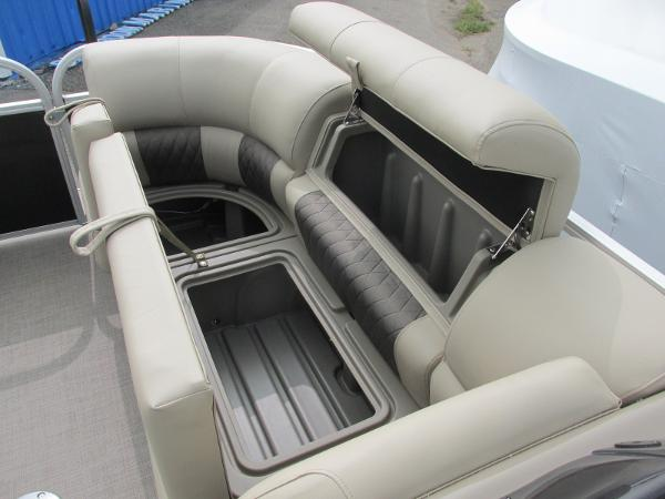 2021 Sun Tracker boat for sale, model of the boat is Party Barge 22 RF DLX & Image # 9 of 28