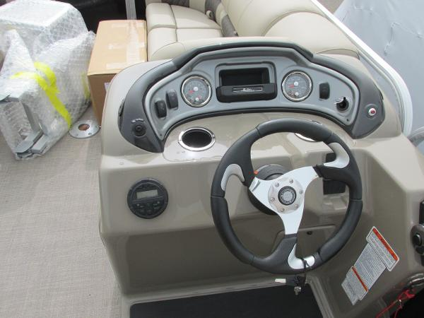 2021 Sun Tracker boat for sale, model of the boat is Party Barge 22 RF DLX & Image # 21 of 28