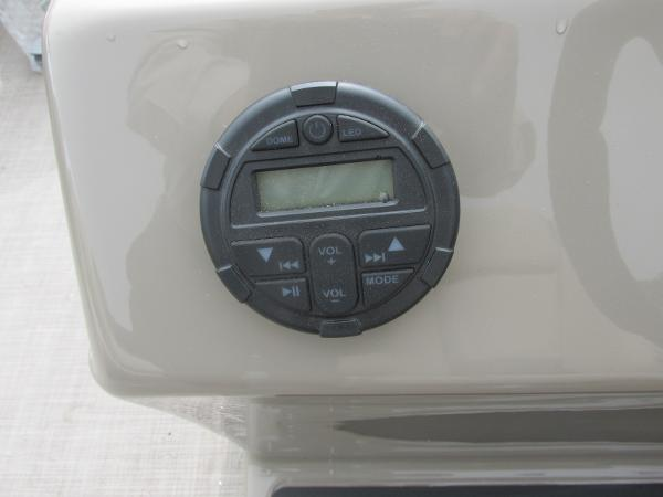 2021 Sun Tracker boat for sale, model of the boat is Party Barge 22 RF DLX & Image # 22 of 28