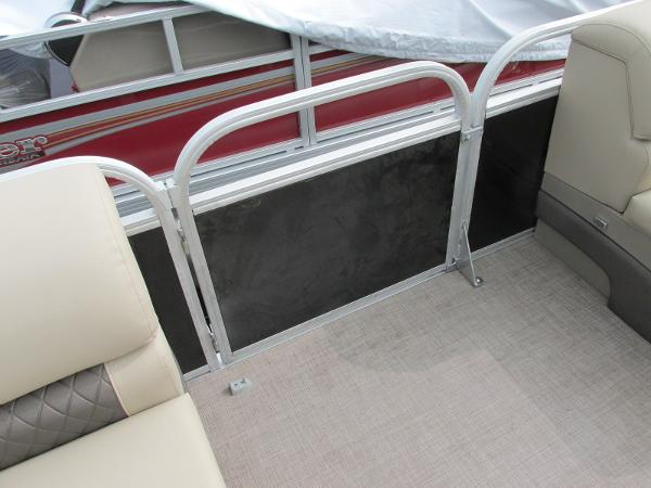 2021 Sun Tracker boat for sale, model of the boat is Party Barge 22 RF DLX & Image # 25 of 28