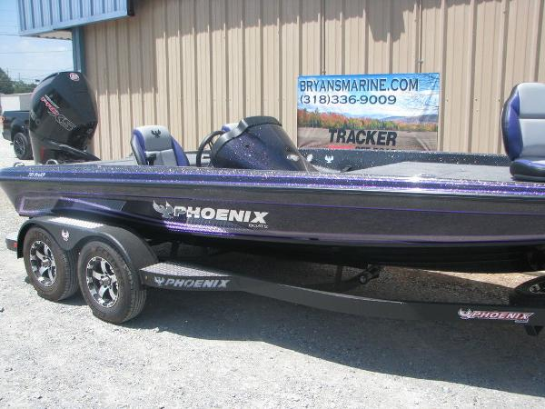 2021 Phoenix boat for sale, model of the boat is 721 Pro XP & Image # 4 of 24