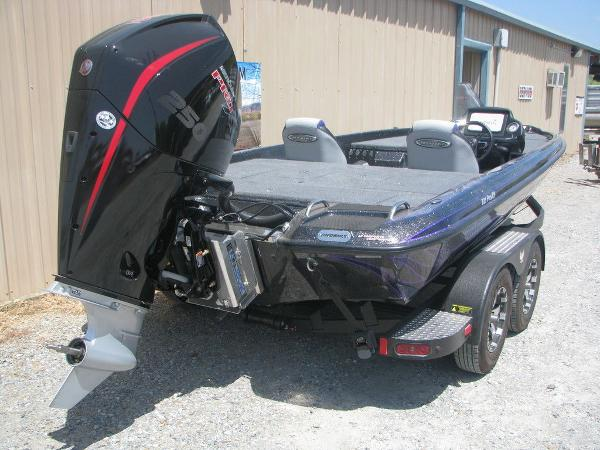 2021 Phoenix boat for sale, model of the boat is 721 Pro XP & Image # 21 of 24