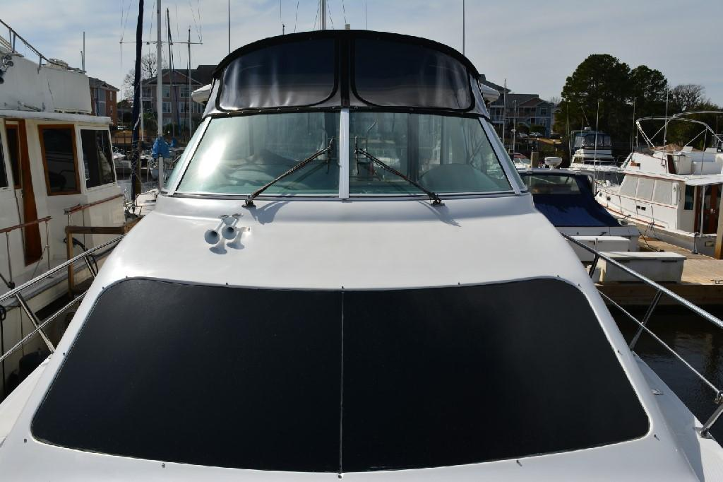 Cruisers Yachts 4050 Express - Looking Aft
