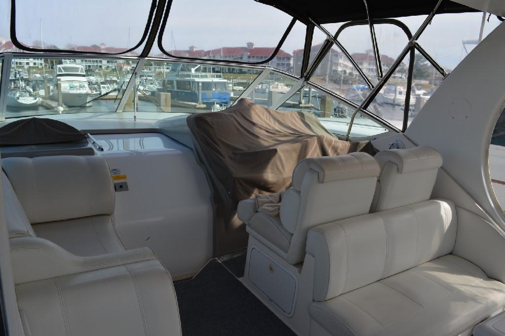 Cruisers Yachts 4050 Express - Bridge