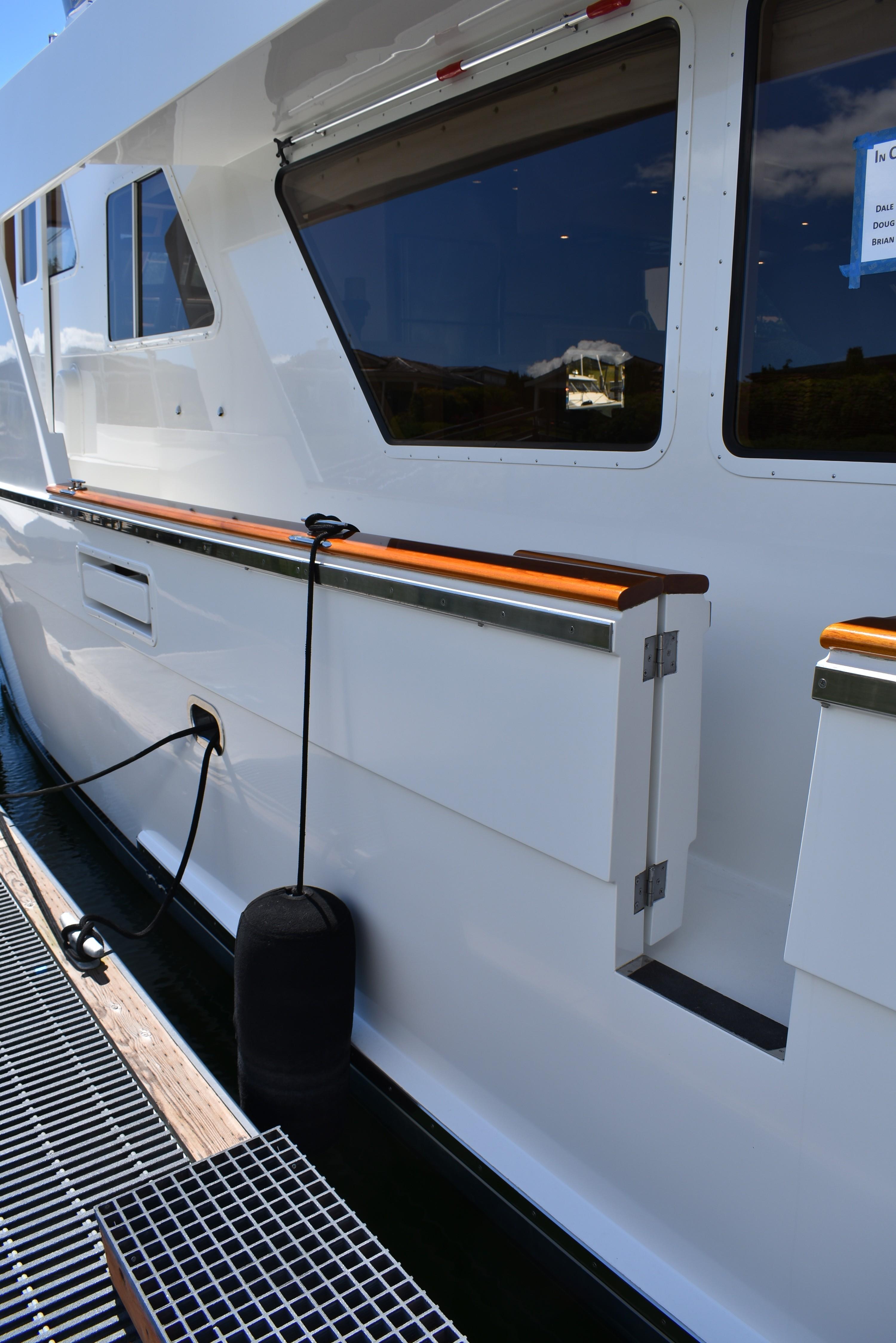 Port and starboard gunwale boarding gates