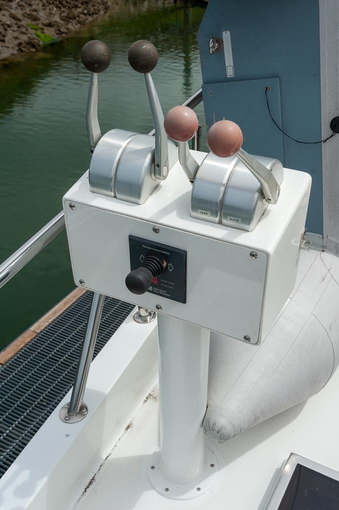 Dinghy deck docking station