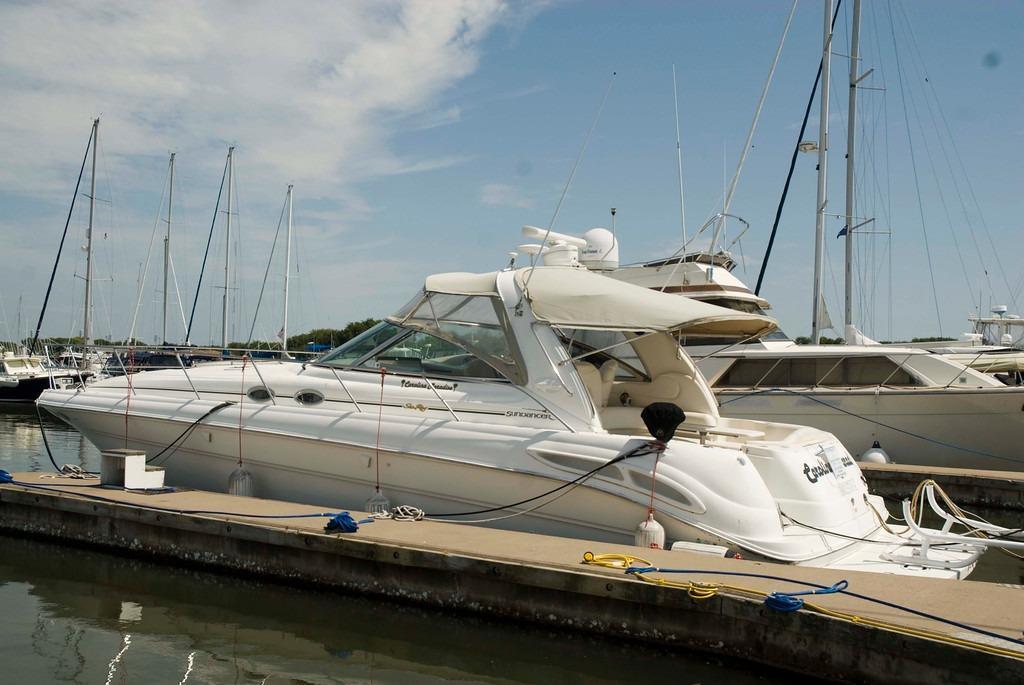 <a href='http://m.boatbuys.com/2000-sea-ray-410-sundancer-for-sale-in-south-carolina_1835094'>2000 Sea Ray 410 Sundancer - $89,900 USD</a>
