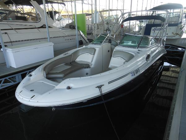 2005 SEA RAY 240 SD for sale