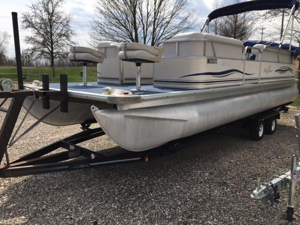 2005 Smoker Craft boat for sale, model of the boat is 824 Cruise & Image # 3 of 16