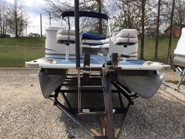 2005 Smoker Craft boat for sale, model of the boat is 824 Cruise & Image # 4 of 16