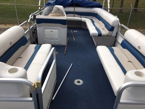 2005 Smoker Craft boat for sale, model of the boat is 824 Cruise & Image # 6 of 16