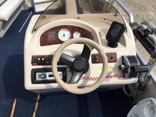 2005 Smoker Craft boat for sale, model of the boat is 824 Cruise & Image # 8 of 16