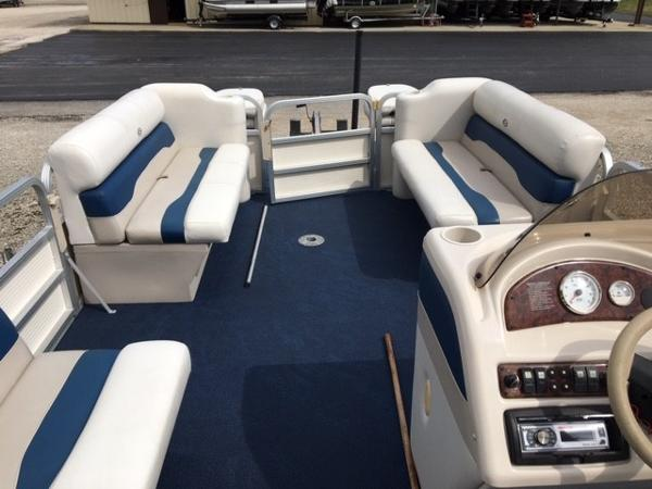 2005 Smoker Craft boat for sale, model of the boat is 824 Cruise & Image # 14 of 16