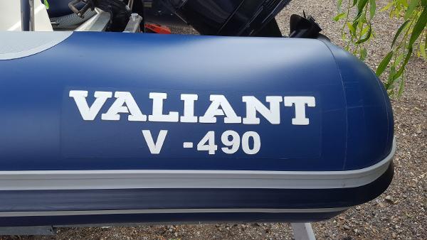 Valiant V490