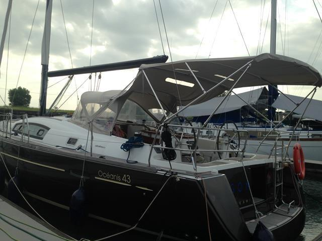 Beneteau Oceanis 43 Port View