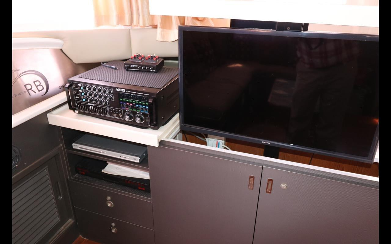 Kareoke System and TV with Hi/Lo lift