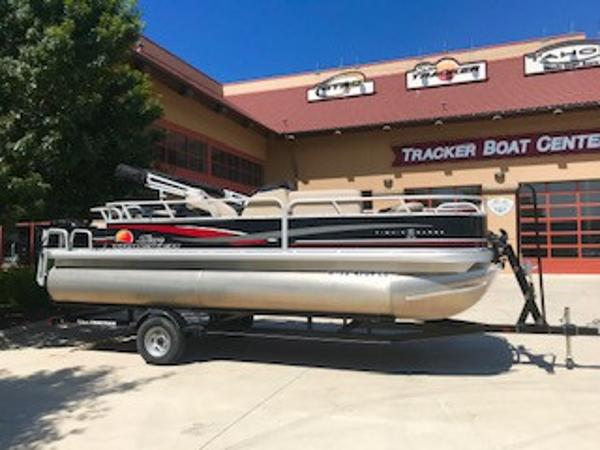 Used Sun Tracker Pontoon Boats For Sale In Texas - Page 1 of 2