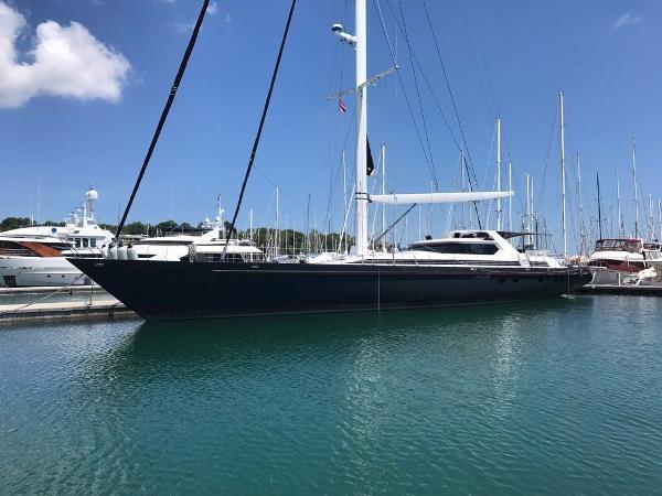 125ft Dubois-Mooring in Marina