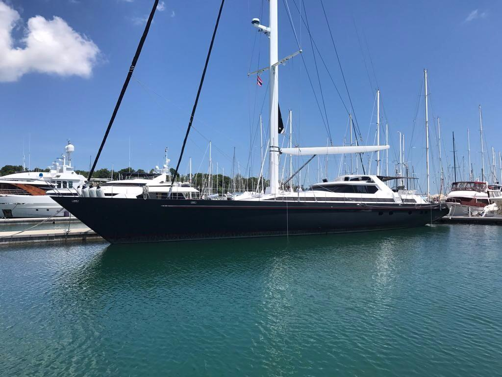 125ft Dubois-Mooring in Marina