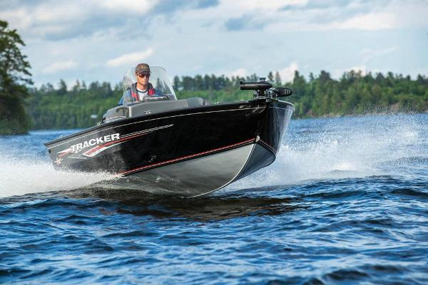 2020 Tracker Boats boat for sale, model of the boat is Pro Guide V-16 SC & Image # 4 of 47