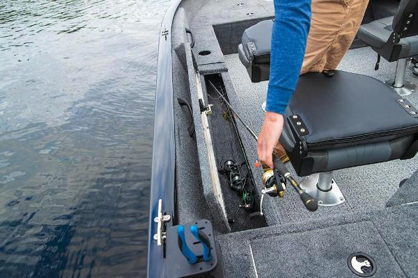 2020 Tracker Boats boat for sale, model of the boat is Pro Guide V-16 SC & Image # 8 of 15