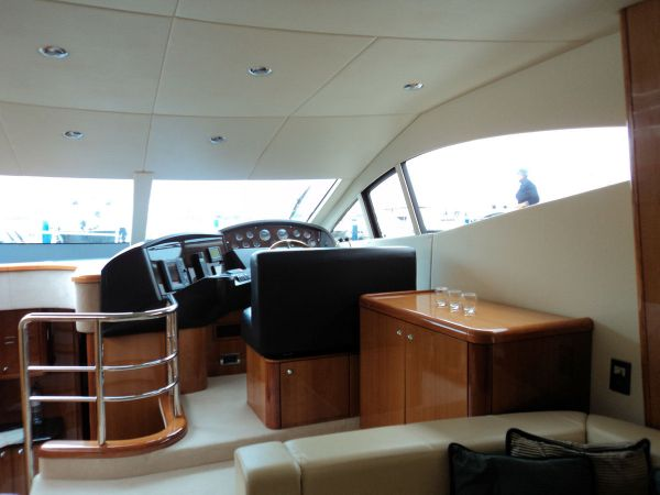 Sunseeker Manhattan 50. Boat Ref No. 3268638