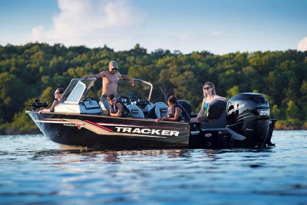 2017 Tracker Boats boat for sale, model of the boat is Targa V-20 Combo & Image # 5 of 61