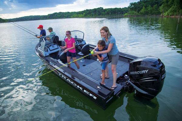 2017 Tracker Boats boat for sale, model of the boat is Targa V-20 Combo & Image # 9 of 61